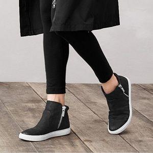 Sunday Sale!⏱Kenneth Cole NY Kiera Sneaker